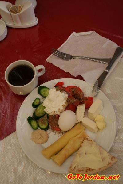 Завтрак в отеле 3*